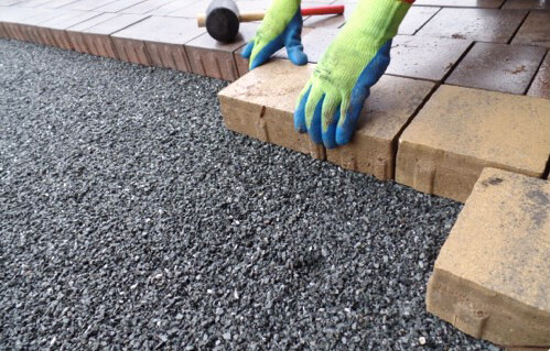 Greenkeepers Gartenbau - Pflasterarbeiten für Terrassen, Garagenauffahrten sowie Außenanlagen