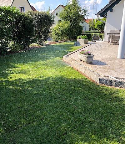 Greenkeepers Gartenbau - Rollrasen mit fest verbauter Beregnungsanlage